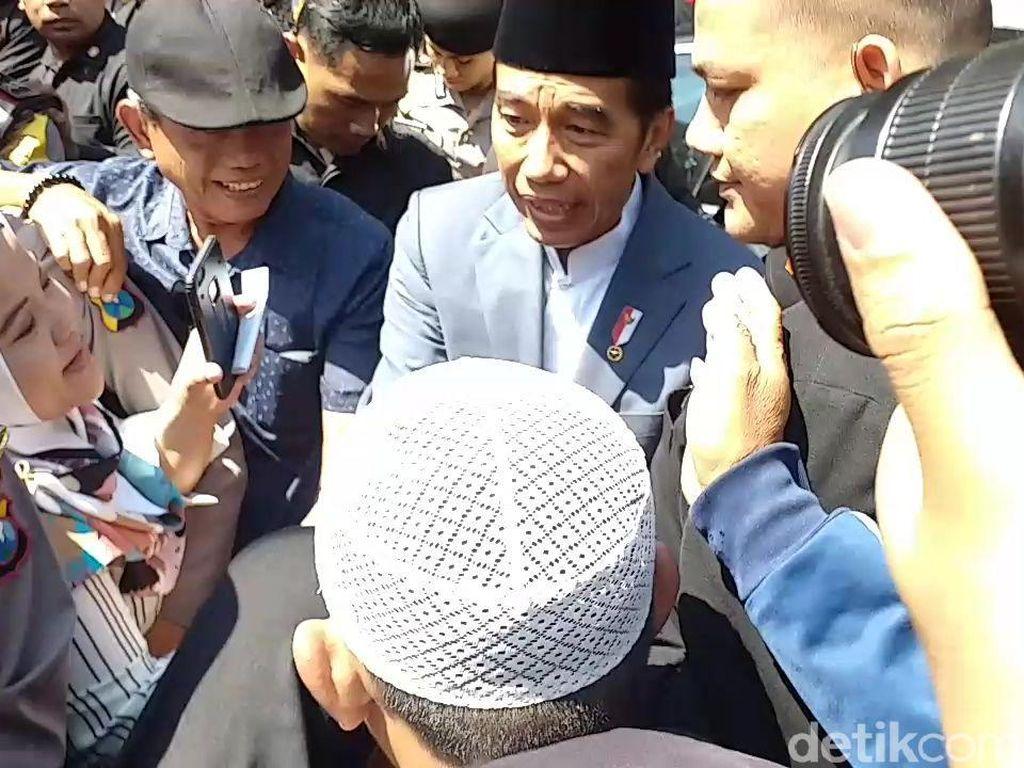 Saat Warga Surabaya Teriaki Jokowi Soal Zonasi