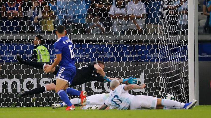 Argentina seri 1-1 dengan Paraguay. (Foto: Luisa Gonzalez / Reuters)