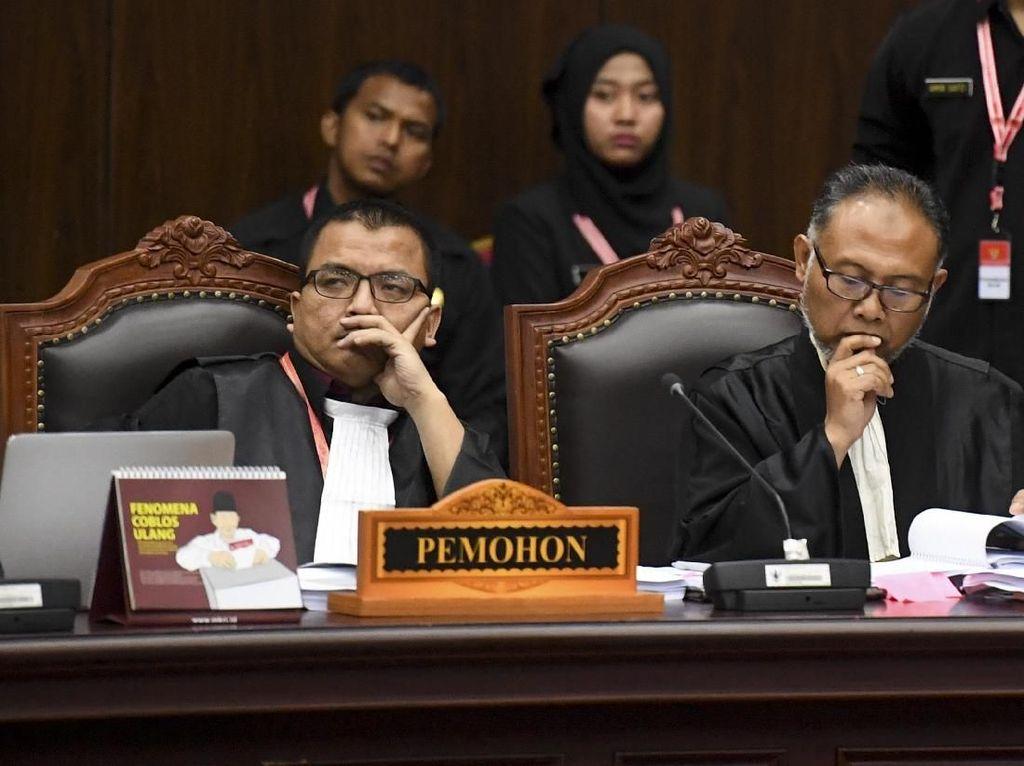 Tim Hukum akan Komunikasi Sikap Terkait Putusan MK ke Prabowo