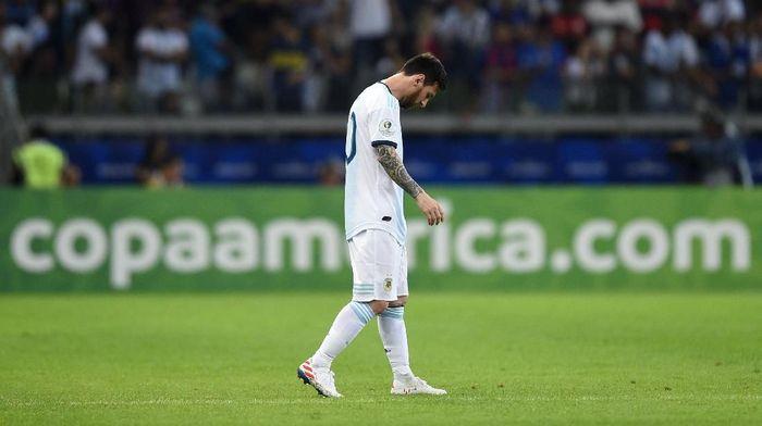 Reaksi Lionel Messi usai Argentina ditahan Paraguay 1-1 di Copa America 2019. (Foto: Pedro Vilela/Getty Images)