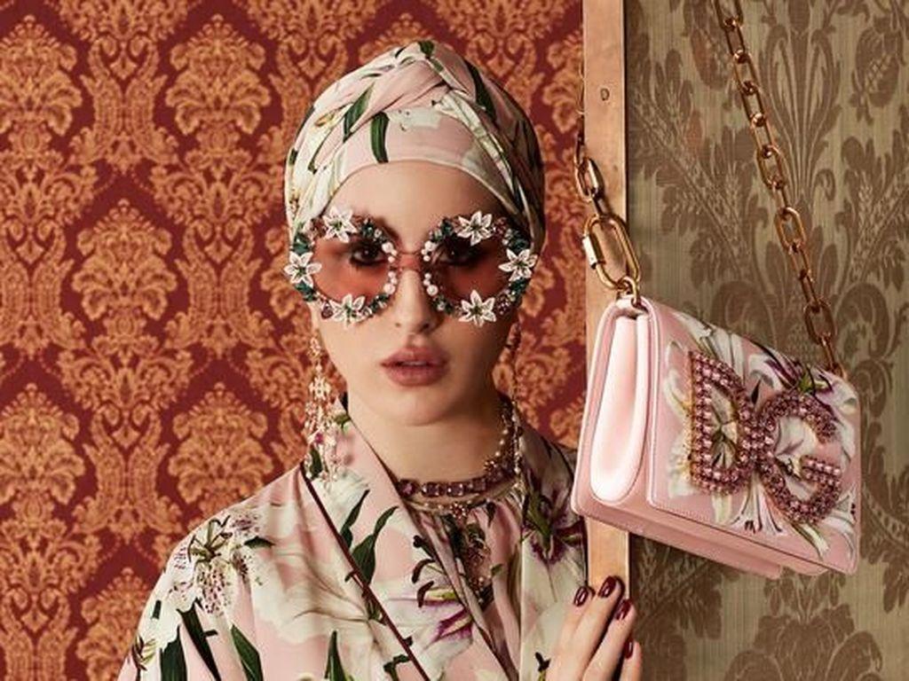 Dolce & Gabbana Rilis Abaya Stylish yang Bisa Dipakai Wanita Berhijab