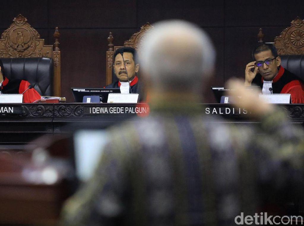 Hakim MK Tegur KPU dan Tim Prabowo yang Debat soal Pembuat Situng