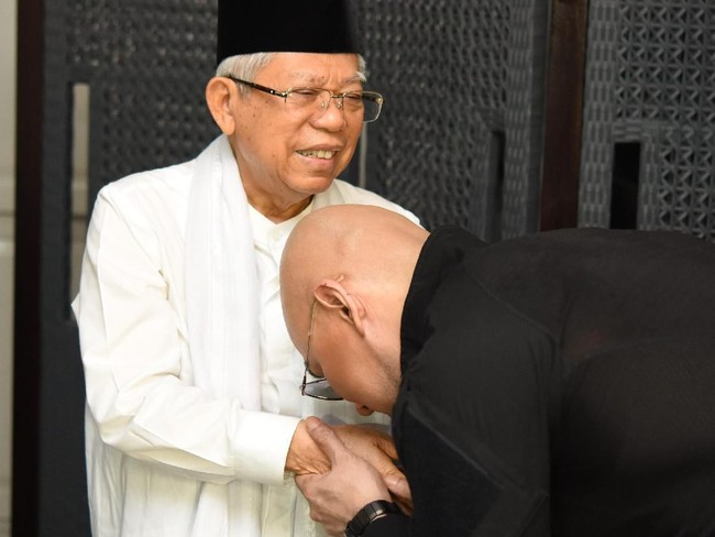 Ahmad Deddy Corbuzier atau Muhammad Deddy Corbuzier?