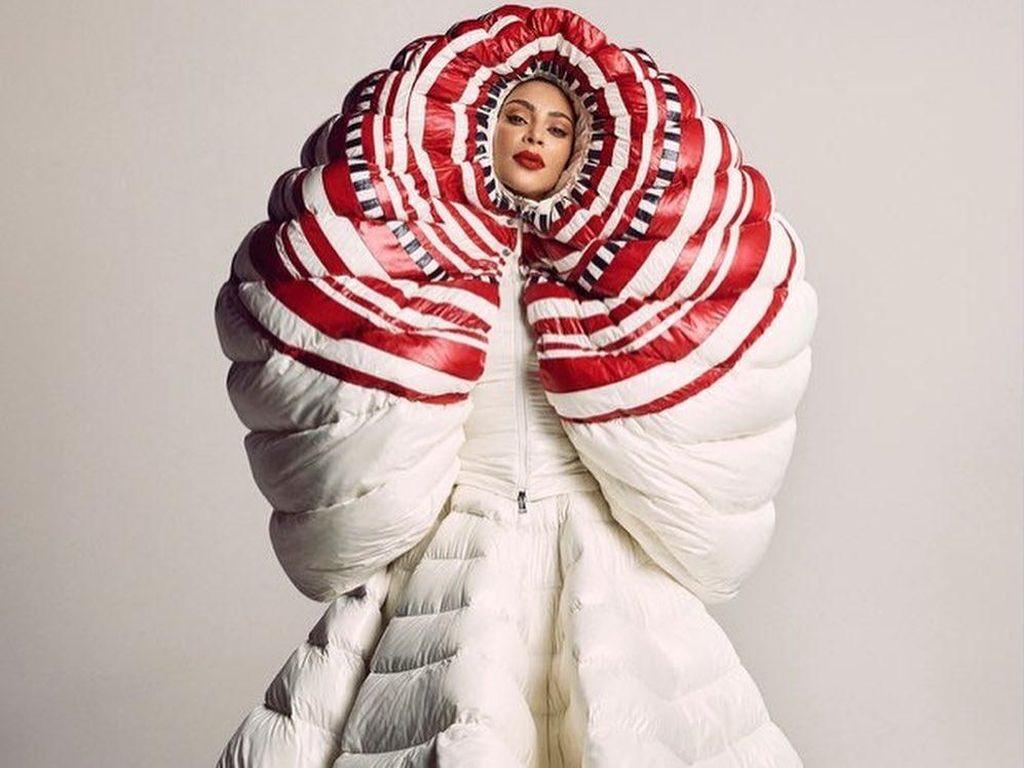 Foto: Kim Kardashian Jadi Model Vogue Japan, Gayanya Beda Banget