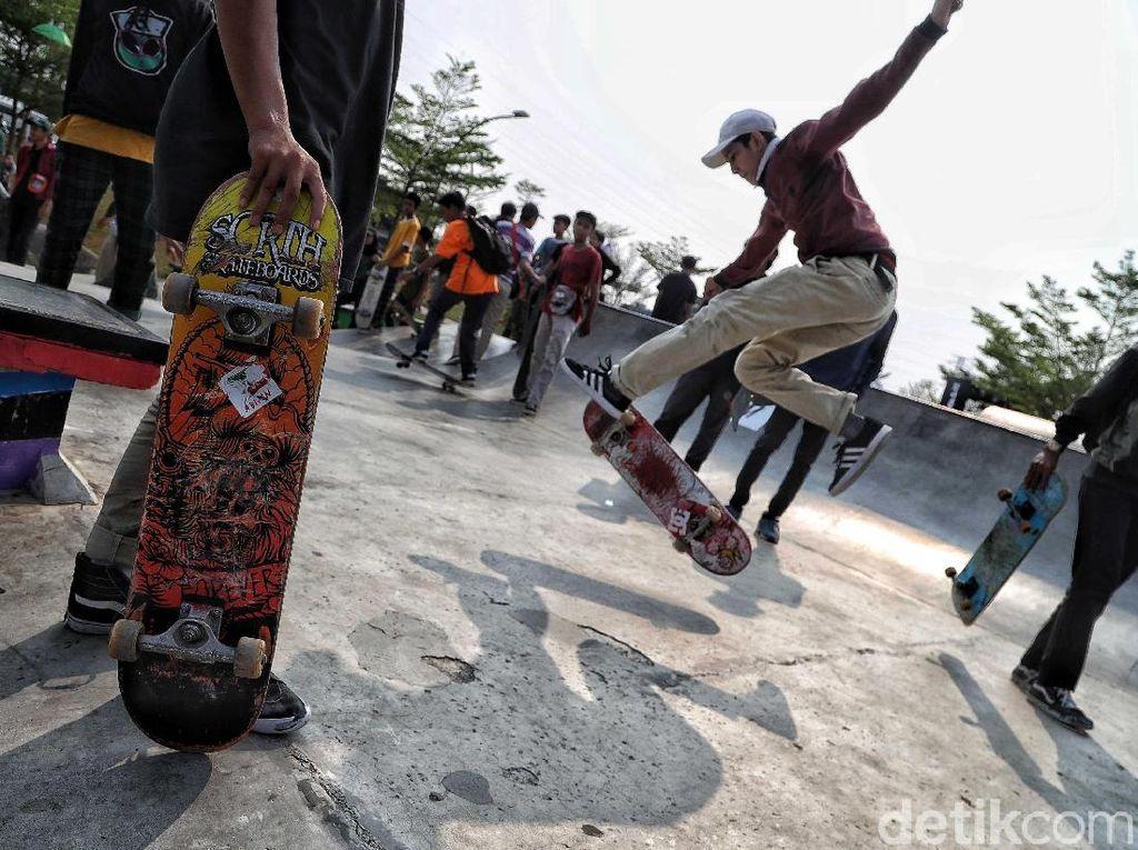 Antusias Anak Muda Rayakan Hari Skateboard Sedunia di Kalijodo