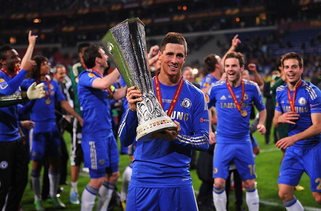 AMSTERDAM, NETHERLANDS - MAY 15:  Fernando Torres of Chelsea poses with the trophy during the UEFA Europa League Final between SL Benfica and Chelsea FC at Amsterdam Arena on May 15, 2013 in Amsterdam, Netherlands.  (Photo by Michael Regan/Getty Images)