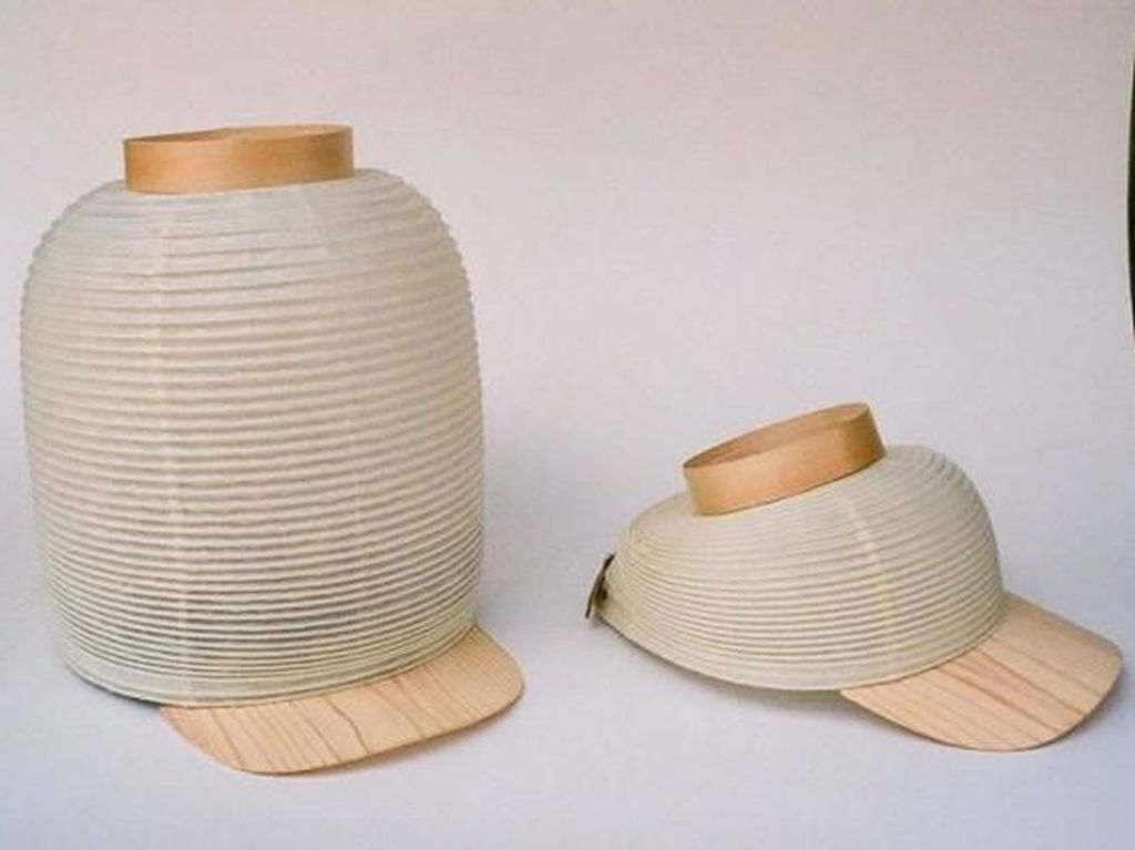 Mau Keliling Jepang dengan Topi Lentera Ini?