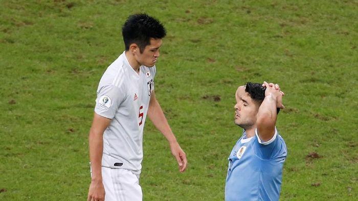 Luis Suarez saat laga Uruguay melawan Jepang di Copa America 2019. (Foto: Diego Vara/Reuters)