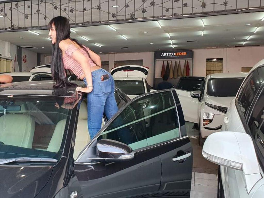 Lucinta Luna Modif Interior Mobil, Mau yang Mewah Tak Terkalahkan