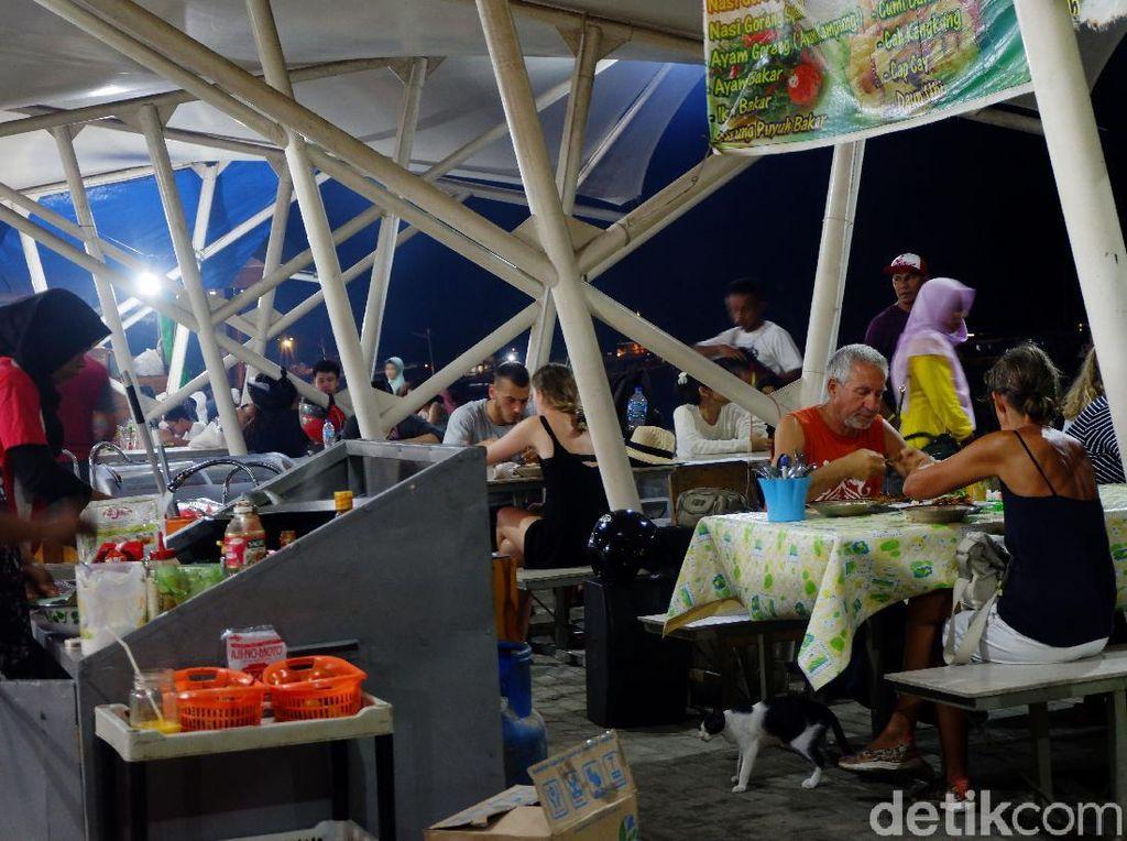 Puas Makan Seafood Segar di Pusat Kuliner Terbesar Labuan Bajo