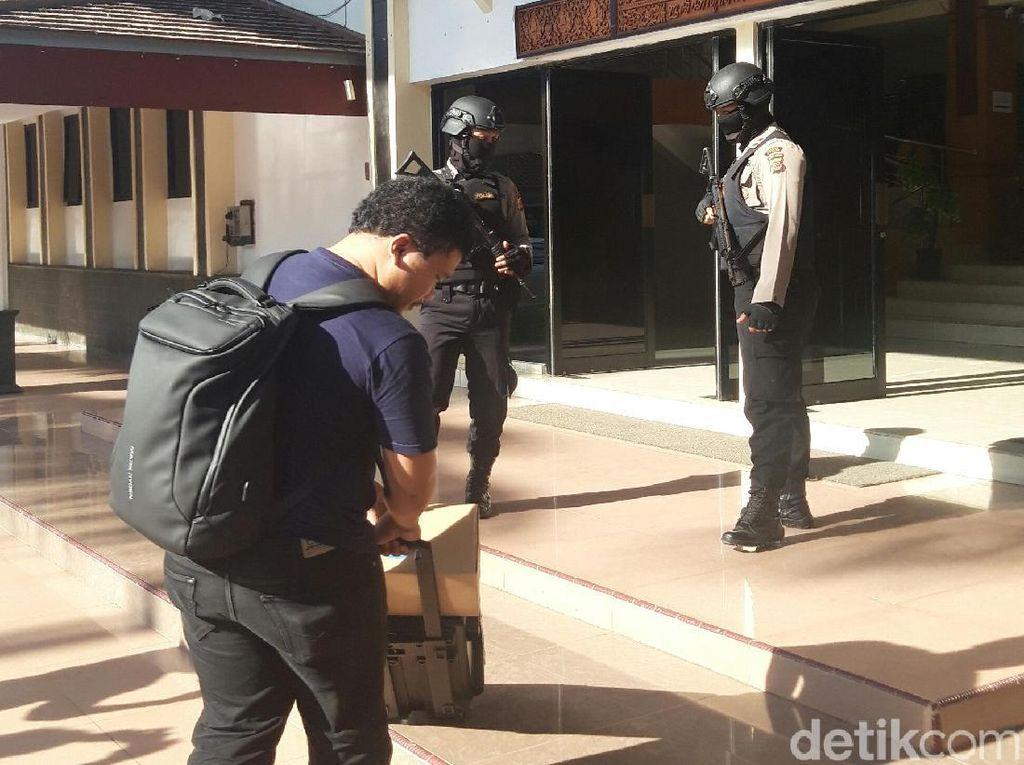 Kantor DPRD Cirebon Digeledah KPK Terkait Kasus Bupati Sunjaya