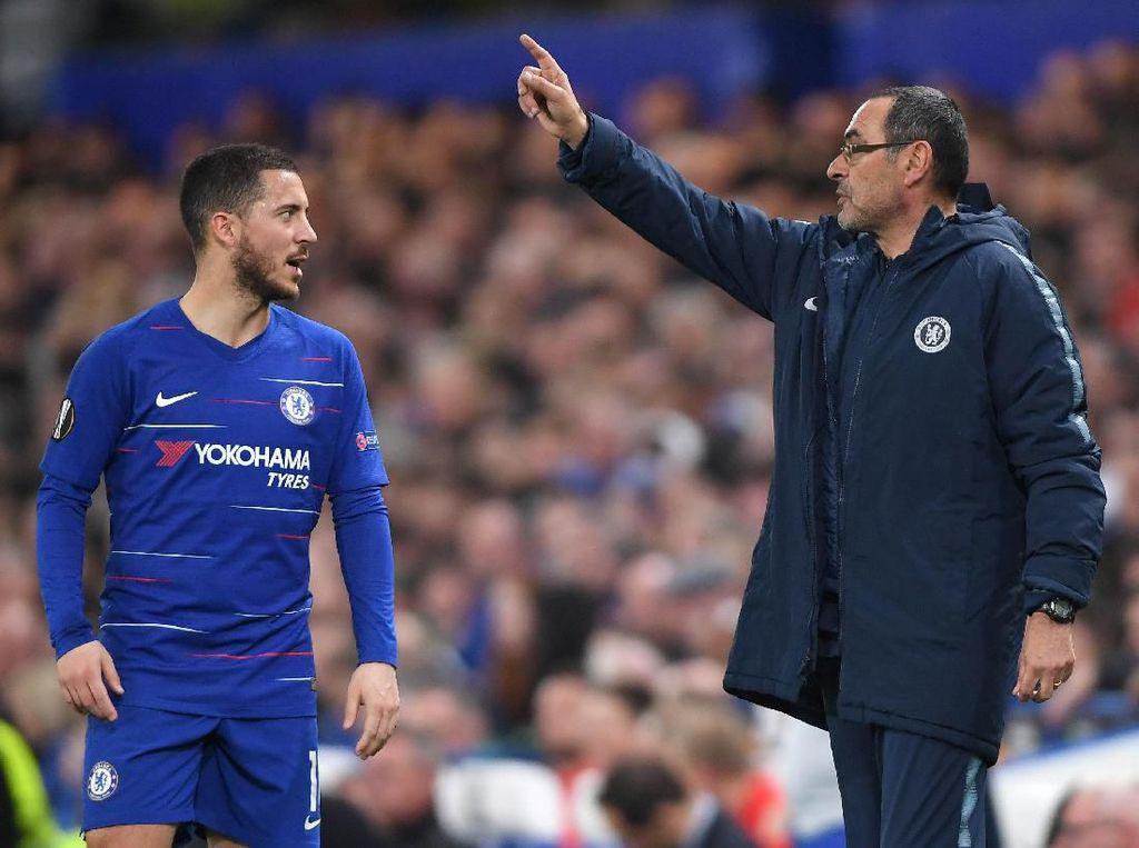 Sarri Sebut Hazard Sebabkan Masalah Pertahanan di Chelsea