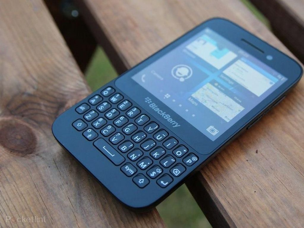Nostalgia BlackBerry Q5, Si Murah yang Cukup Menawan