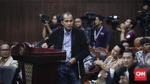 BW Cecar Ahli Jokowi dari UGM: Anda Sudah Tulis Berapa Buku?