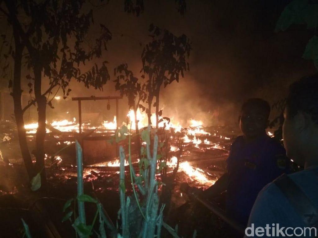 Bocah ABK Tewas Terpanggang dalam Kebakaran 5 Rumah di Grobogan