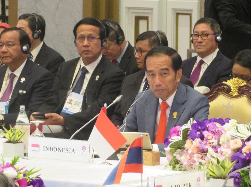 Jokowi Bicara Perang Dagang di KTT ASEAN di Bangkok