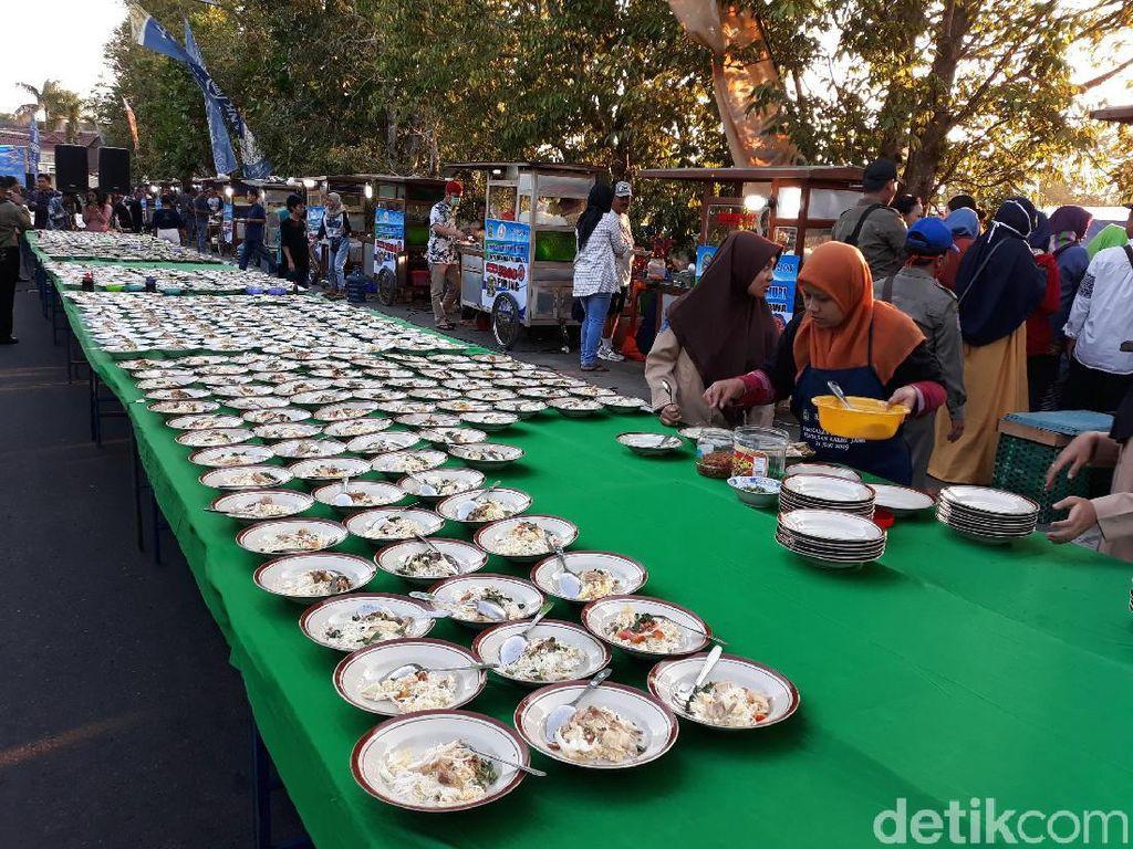 Ribuan Porsi Bakmi Jawa Gratis Meriahkan HUT ke-188 Kabupaten Gunungkidul