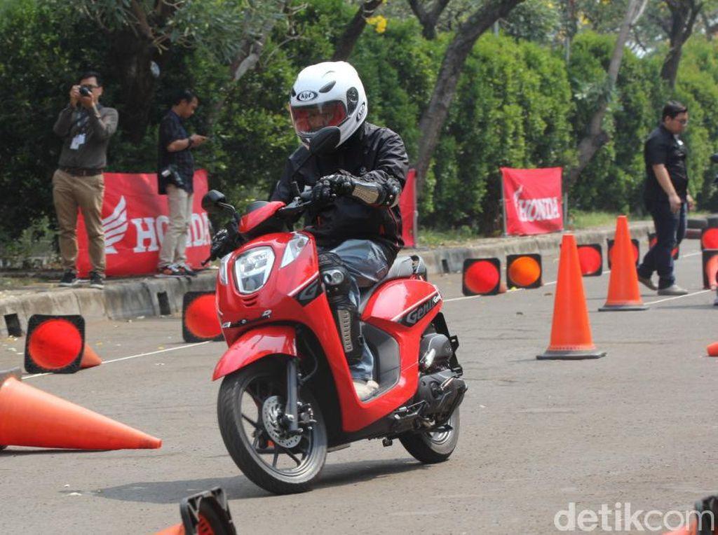 Honda Genio Lebih Murah Rp 1 Juta, Apa Bedanya dengan Scoopy?