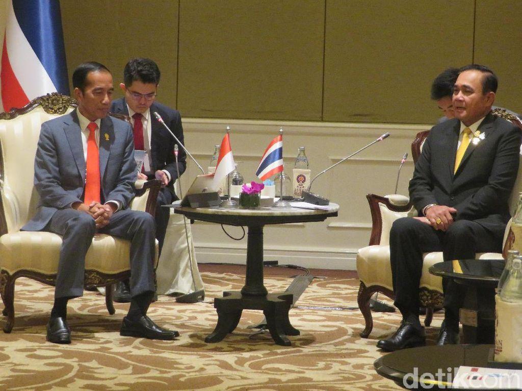 Jokowi Gelar Pertemuan Bilateral dengan PM Thailand di Sela KTT ASEAN