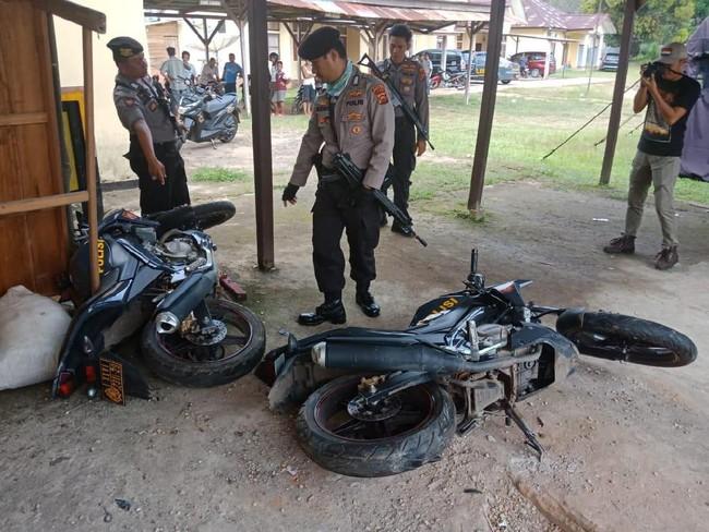 Polsek Batin XXIV Jambi Diserang, Kaca Pecah-Motor Dinas Rusak
