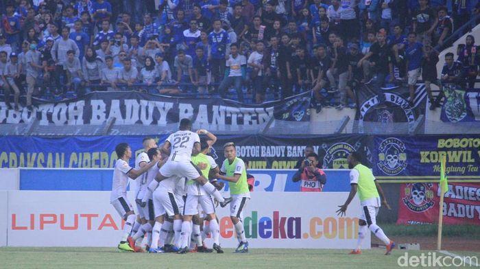 madura United menahan imbang Persib Bnadung 1-1. (Wisma Putra/detikSport)