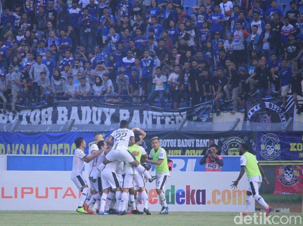 Dejan Antonic: Rotasi Pemain yang Batalkan Kekalahan Madura United dari Persib