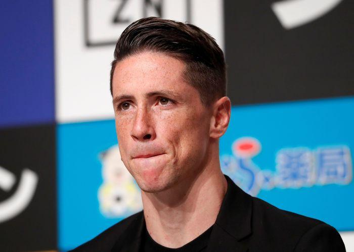 Torres tiba-tiba saja membuat keputusan mengejutkan dua hari lalu, yakni gantung sepatu. Padahal di usia yang baru 35 tahun, Torres setidaknya masih bisa berkarier untuk 2-3 tahun ke depan.