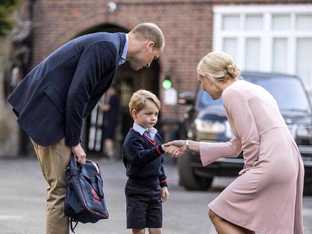 Guru Pangeran George Dilamar Sahabat Pangeran William, Apa Jawabnya?