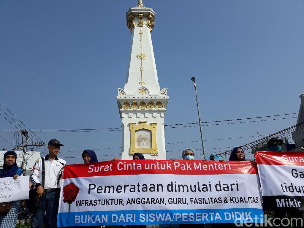 Aksi Protes Sistem Zonasi PPDB 2019 Digelar di Tugu Yogya