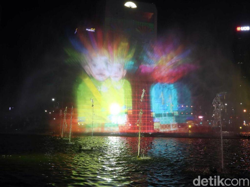 Terpesona Warna-warni Air Mancur di Perayaan HUT DKI Jakarta