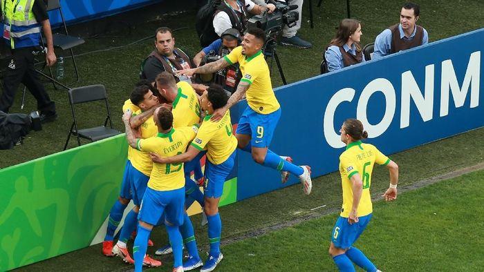 Brasil libas Peru dengan skor 5-0 di ajang Copa America 2019. (Foto: Alessandra Cabral/Getty Images)