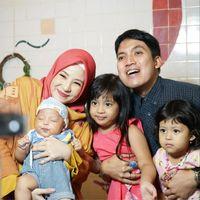 Cara Natasha Rizky Lindungi Keluarga dari Bahaya Polusi
