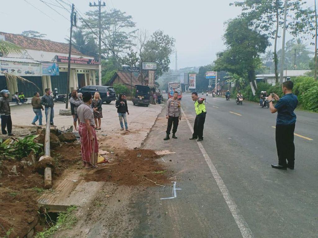Kecelakaan Bus dan Mobil di Semarang, 6 Orang Tewas