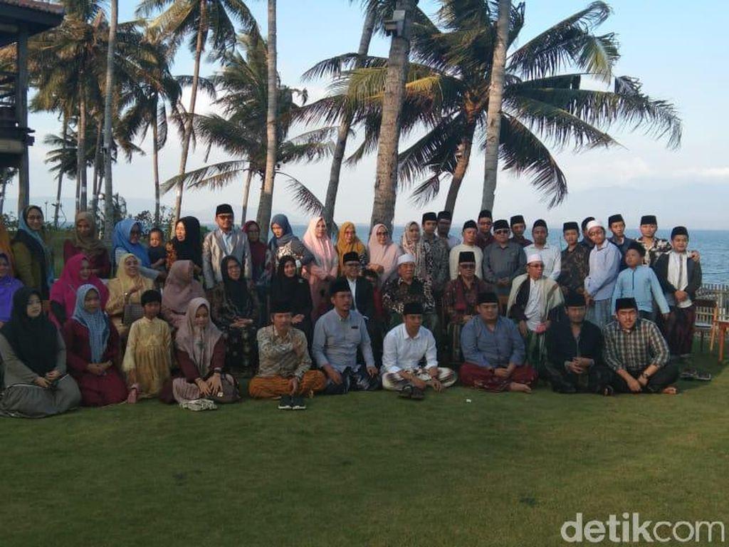 Keluarga Besar Ponpes Al-Falah Ploso Nikmati Destinasi Wisata Banyuwangi