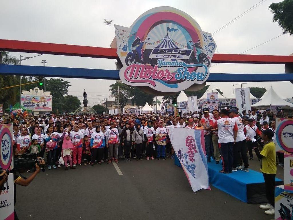 Ribuan Warga Cilacap Antusias Ikuti Fun Walk BYMS di Alun-alun