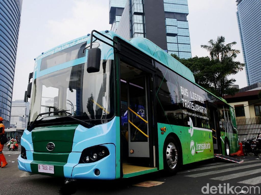 Bus Listrik Mejeng di CFD