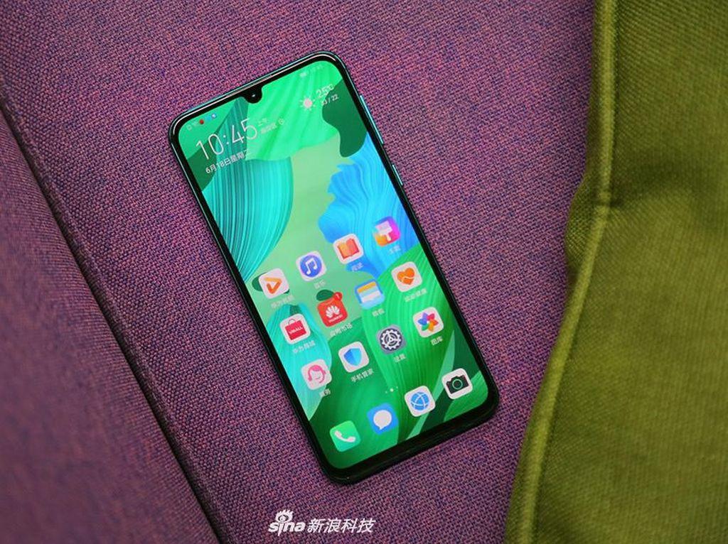 Garap Ponsel dengan Kamera di Bawah Layar Juga, Huawei?
