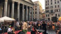 Alunan Musik Indonesia di Pelataran Pantheon di Roma