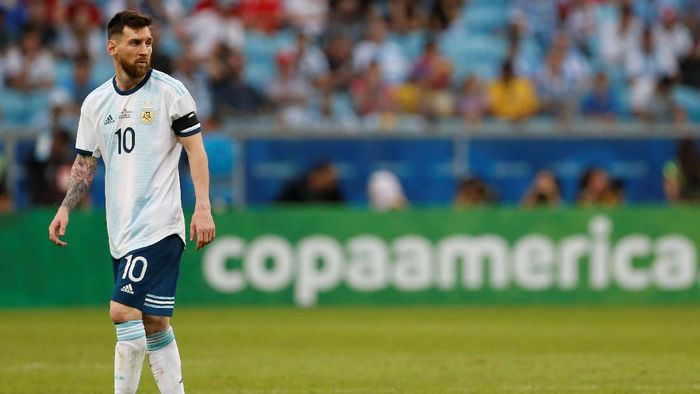 Lionel Messi gagal memanfaatkan sebuah peluang bagus saat Argentina menang atas Qatar di Copa America 2019 (Foto: Diego Vara/Reuters)