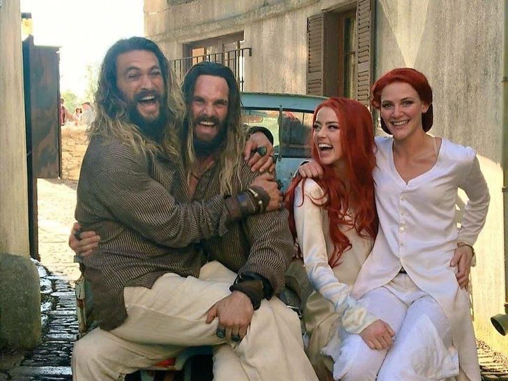 Kelakuan Konyol Jason Momoa sampai Angelina Jolie saat Santai di Sela Syuting