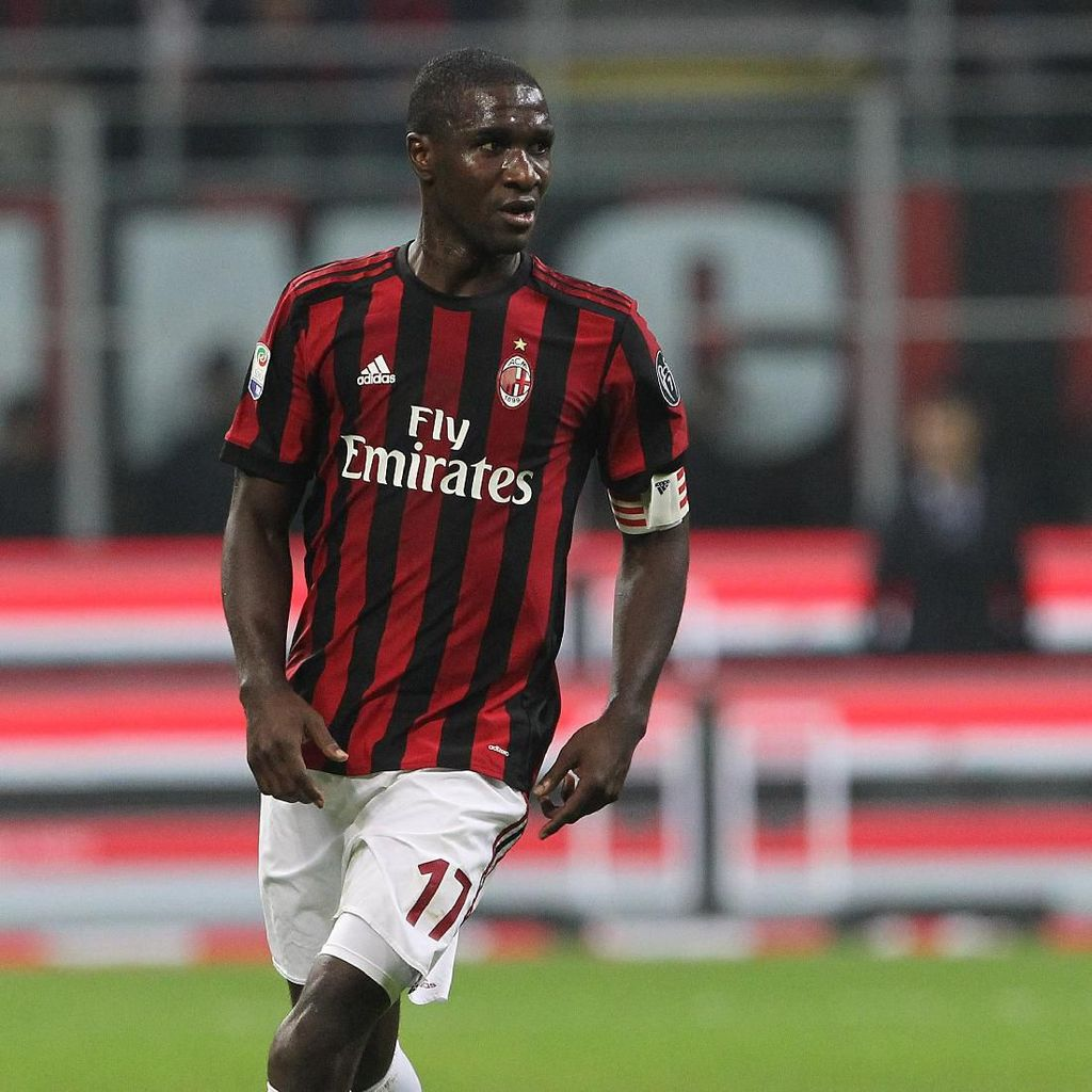 Cristian Zapata Tinggalkan AC Milan