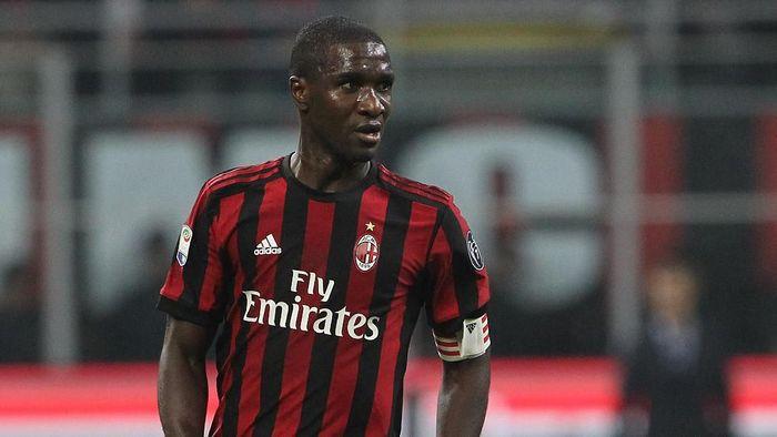 Cristian Zapata meninggalkan AC Milan karena kontraknya akan habis pada akhir bulan ini. (Foto: Marco Luzzani / Getty Images)