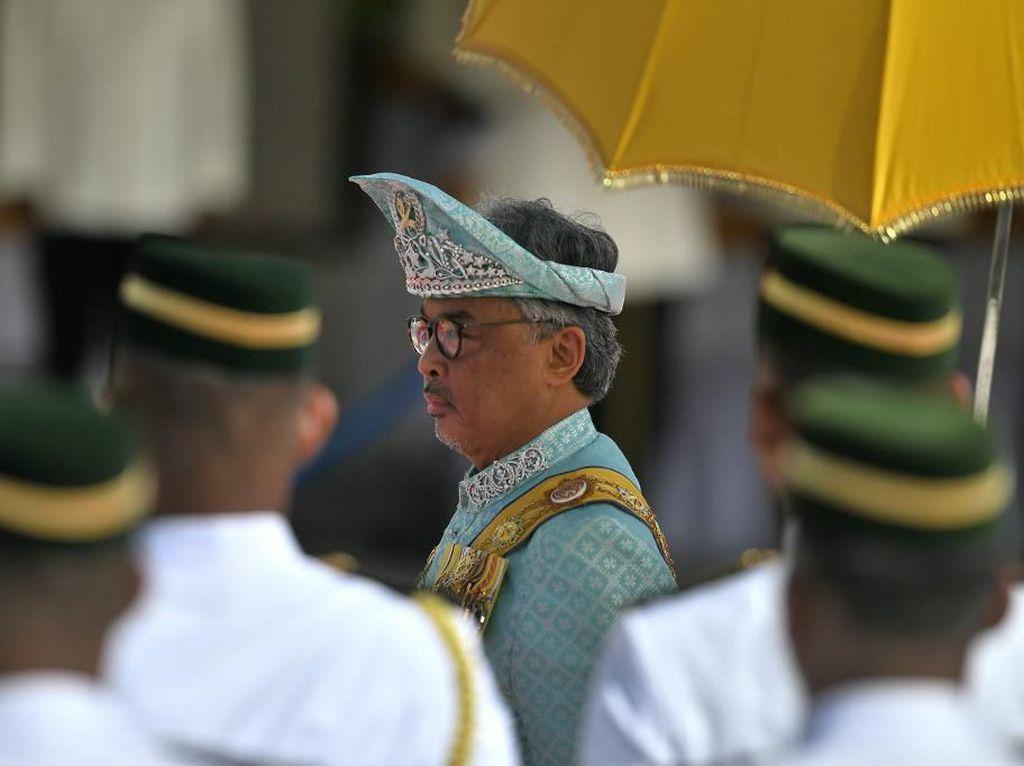 Polemik PM Baru Malaysia Berakhir di Jentik Jari Raja?