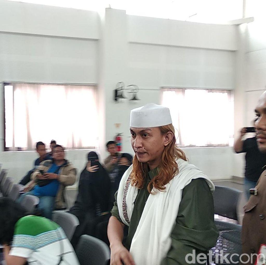 Soal Pencari Kesalahan Habib Bahar, Pengacara: Kita Gak Berani Ngomong