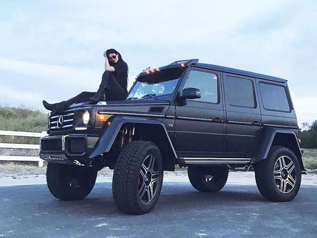 Koleksi Mobil Mewah yang Bikin Kylie Jenner Dihujat