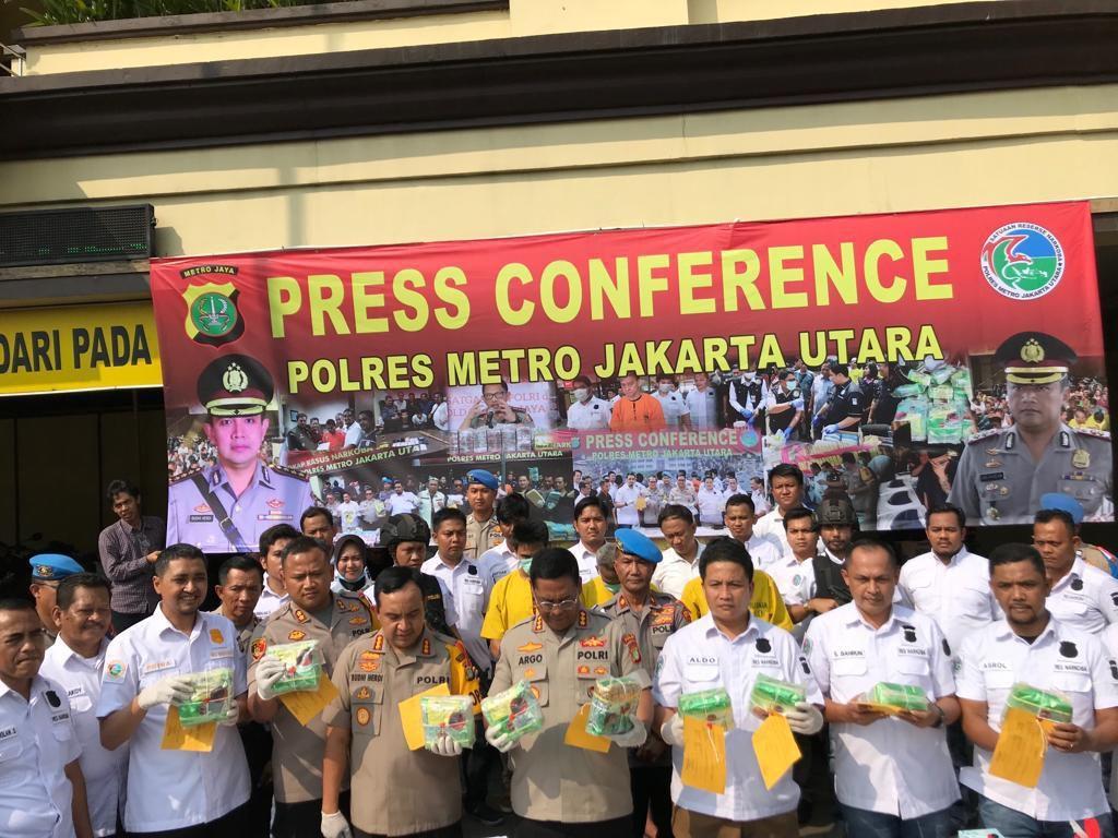 Dikirim dari Kalbar, 15 Kg Sabu di Jakut Diselundupkan di Jok Mobil