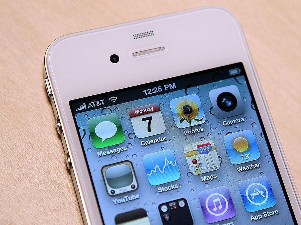 Nostalgia iPhone 4, Si Fenomenal yang Tersandung Sinyal