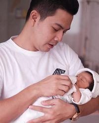 Cerita Ardina Rasti tentang Sang Suami Jadi Ayah ASI