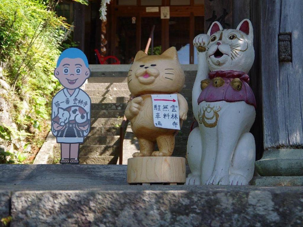Foto: Kuil Kucing yang Punya Cerita Horor di Jepang