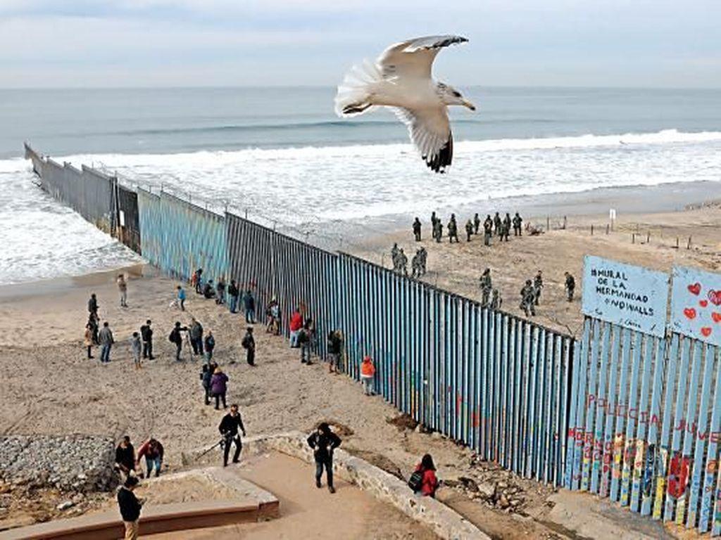 Kritik Trump, Ada Mural Perdamaian di Perbatasan AS dan Meksiko